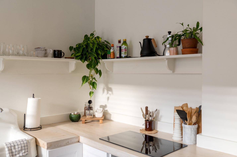 Renovated kitchen by the kitchen furniture manufacturerin Kensington